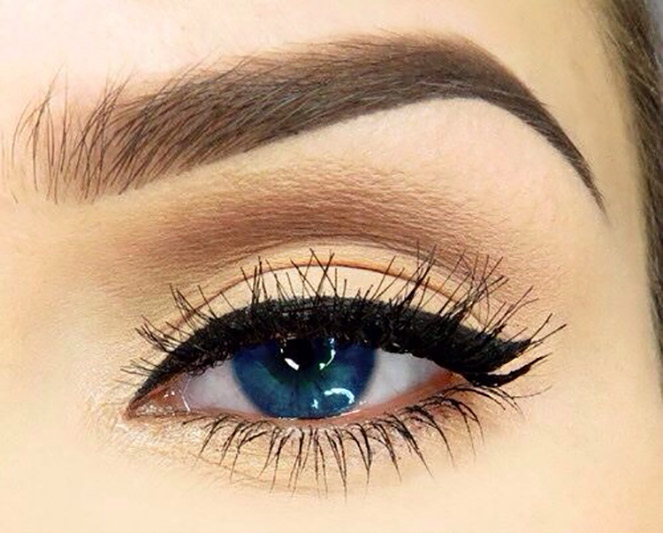 'Ombre' eyebrow effect, applied with cosmetic make-up